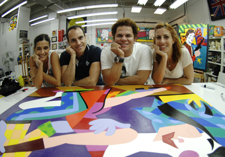 O trio em visita ao estúdio de Romero Britto, em Miami, para o Guia Miami - Romero Britto, lançado em 2013.