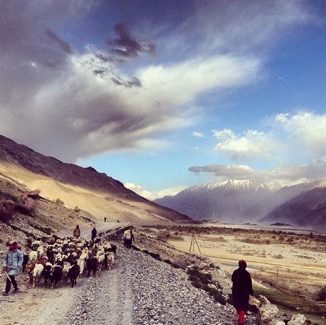 Corredor de montanhas no Afeganistão