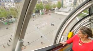 Passeio de escada-rolante pelos tetos de Paris