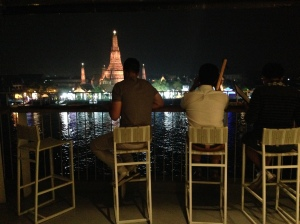 vista do rooftop bar do Sala Rattanakosin